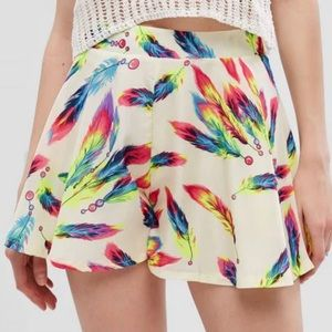 Feather Designed Shorts.